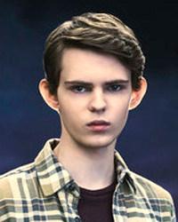 Esa mirada, esas orejas... no, no está emparentado con Chris Eccleston